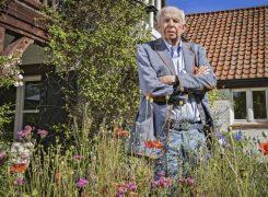 Le comte Léopold Lippens dans son jardin du Zoute © Joel Hoylaerts/Photo News